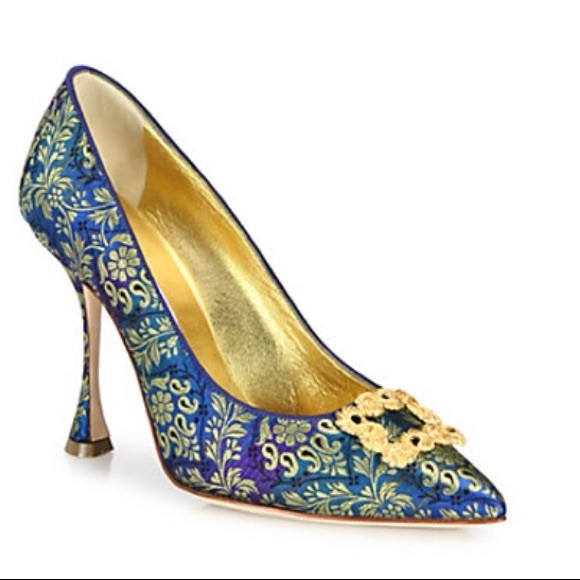 5c5582cbcf1 Manolo Blahnik Tradimod Embroidered Silk Pumps